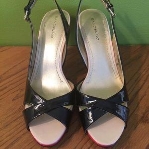 33bdb6ebe78 Bandolino Shoes - 🎉HP🎉BANDOLINO Platform Slingbacks